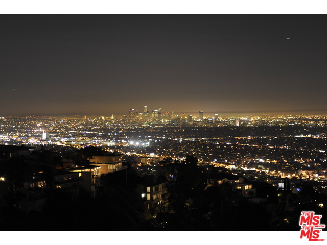 6181 Temple Hill Dr, Los Angeles, A 90068 View Lot in Escrow!