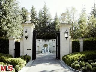 How did the Ultra Luxury Real Estate Market fare in the greater Los Angeles area in 2014?